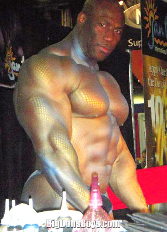 Tall naked bodybuilders — img 4