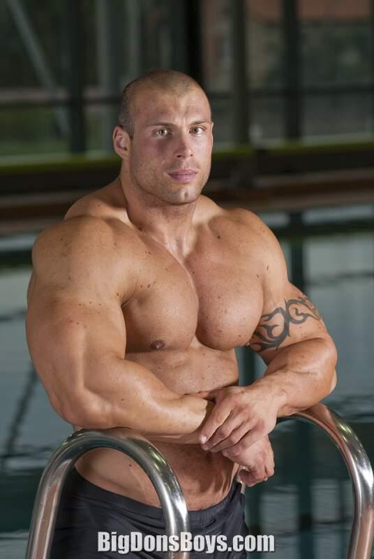 Bodybuilder Morgan Aste